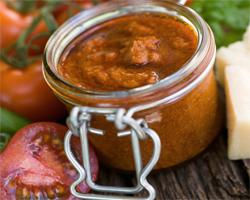 Salsa Pesto con Tomate